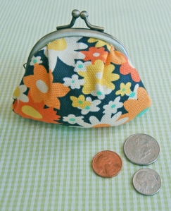 Image @ The Purl Bee (How to make a cute japanese coin-purse)